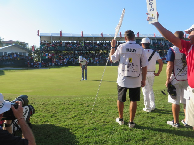 18g-sun-hadley-win-putt_0