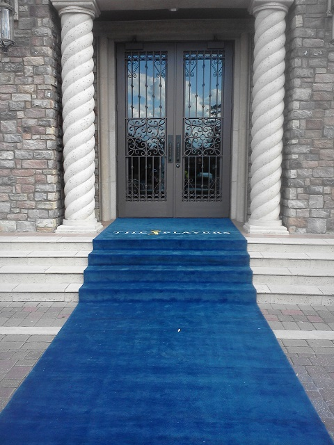 _blue carpet