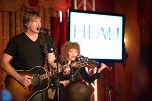 Jack Ingram performed with Eleanor & Chris Masterson