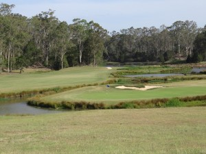The 4th green on Bungool, the sweet and beautiful spot in the opening salutation.