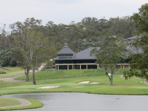 The 18th green of the Gargurra Course with the modern Riverside Oaks Clubhouse in the background.