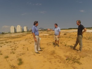 With Kyle Franz (C) and Ben Hillard (R) on the new Olympic Golf Course in January 2014.