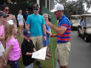 Billy Horschel fulfilling all autograph requests.