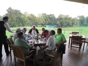 It was a lively lunch after golf at Hoyo 19 on the clubhouse terrace.
