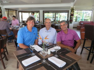 With Fernando Villegas & Alberto Valenzuela at Llanogrande for breakfast.